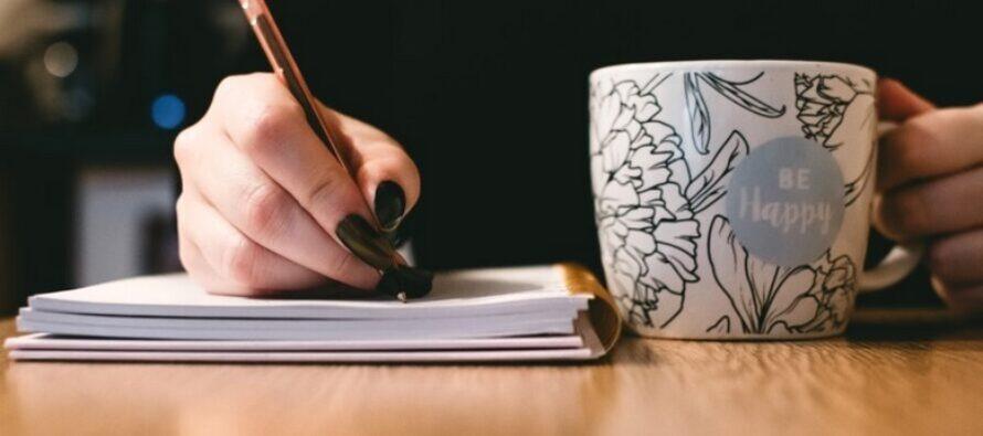 EN MYCKET ENKEL övning för att lindra stress – allt du behöver är en penna, ett papper och ett ögonblick till ditt förfogande