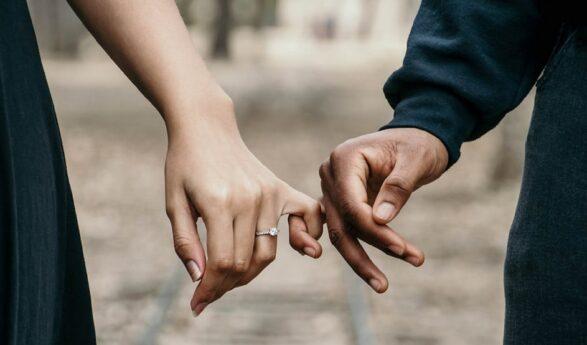 DESSA STJÄRNTECKEN kommer mycket troligt att sluta med äktenskap redan i år! + hur stjärntecknen passar ihop!